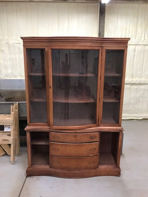 THIS VINTAGE CHINA CABINET WAS ORIGINALLY IN TWO PIECES. THE TOP HAD  SEPARATED FROM THE BOTTOM AND ONE OF THE PIECES OF GLASS WAS BROKEN.