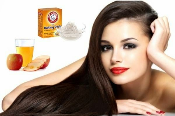 Continuous use of baking soda and vinegar make your hair look shiny and silky naturally