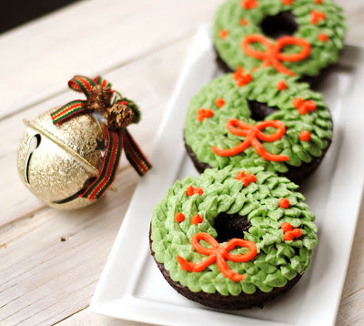 christmas wreath donuts