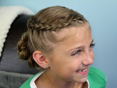 Model Fancy Little Girl Hairstyle