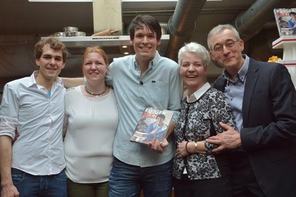 Presentatie van het bakboek: 'Rutger bakt'