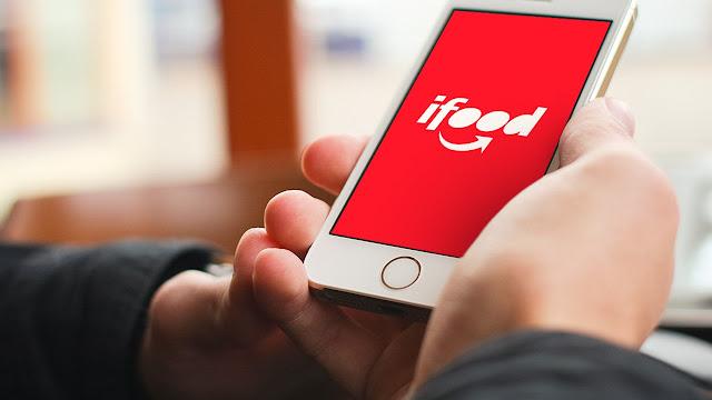 Tela d celular com logo do Ifood