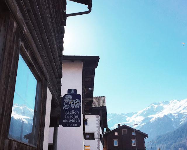 Milchautomat in Klosters, Graubünden Schweiz