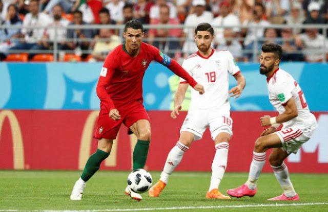 Ronaldo nằng nặc đòi giảm giá của mình xuống… 10 lần