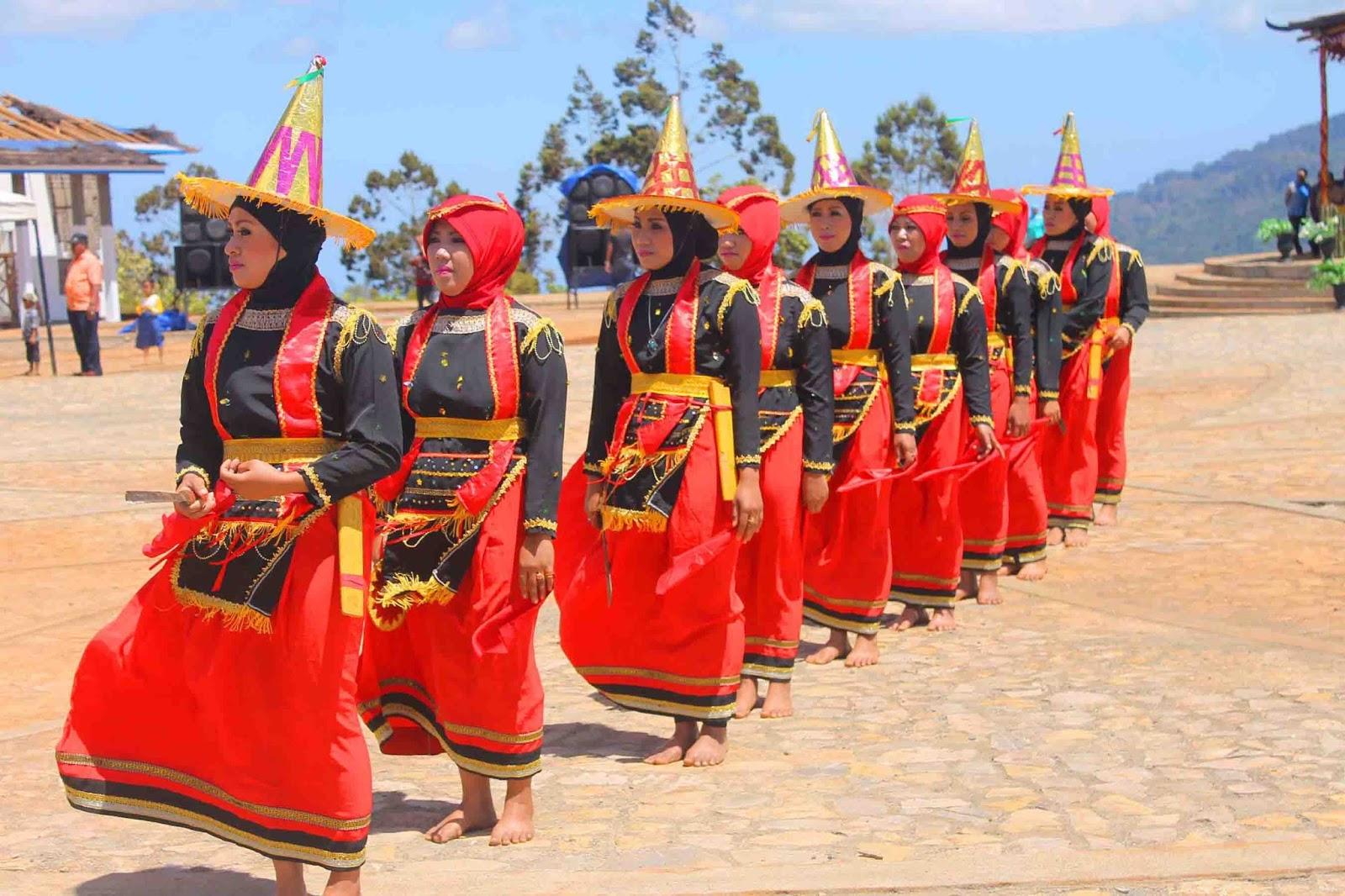 Tari Lumense, Tari Tradisional Dari Suku Moronene Sulawesi Tenggara
