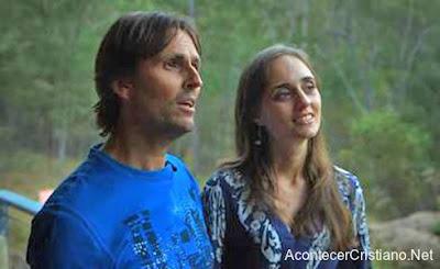 Alan John Miller y su esposa que dice ser la reencarnación de María Magdalena