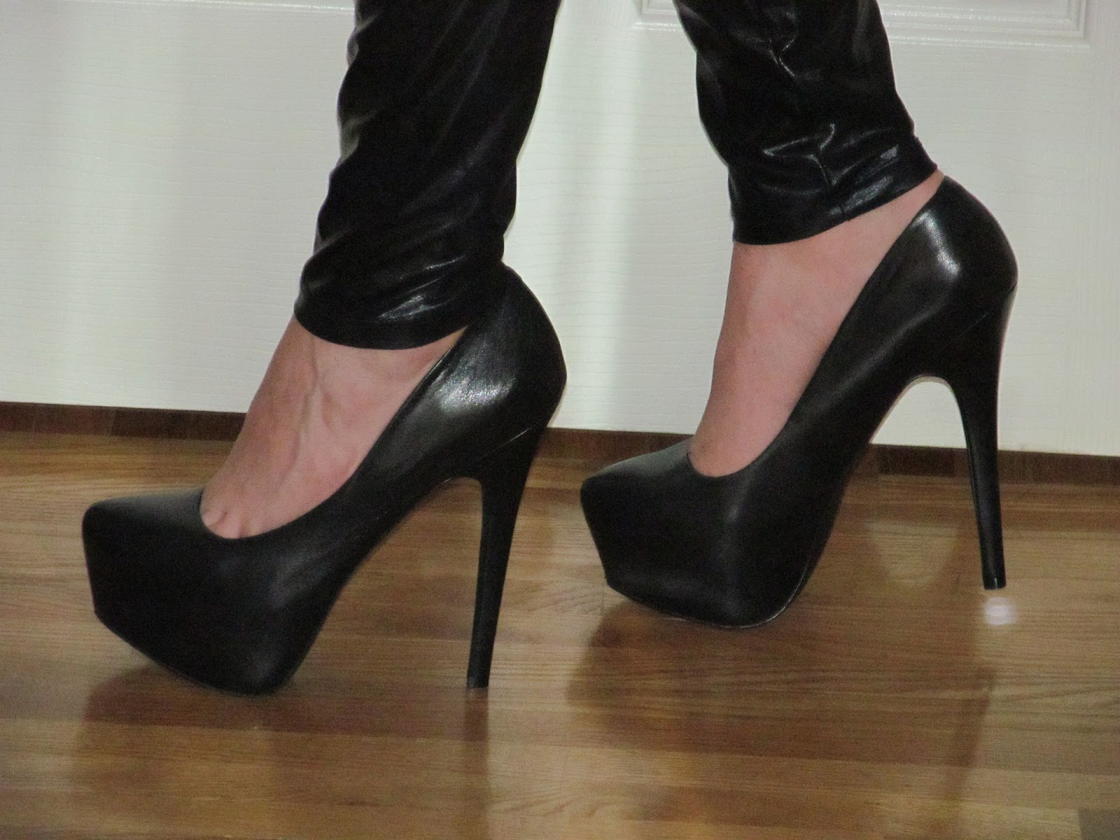 39936089f44 Me Wearing My Black Leather Steve Madden  Dejavu  Platform Pumps ...