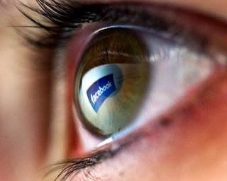 Azt is eltárolja rólunk a Facebook, amit be sem küldünk rá