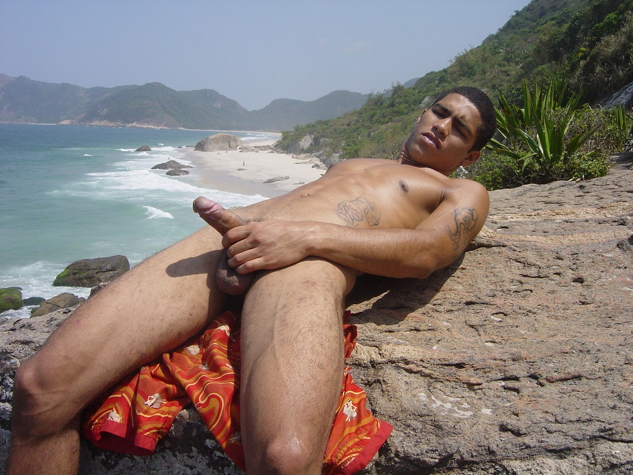 Videos de cancaneo gay en la playa