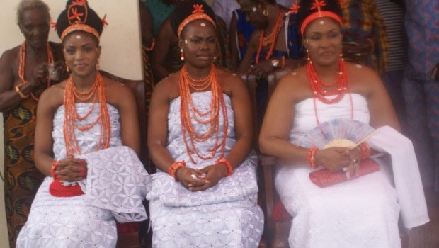 Photos of the three wives of Oba of Benin (see their names)