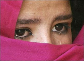 hijab women cry
