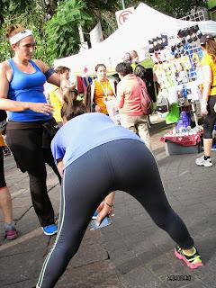 mujeres sexys haciendo ejercicio