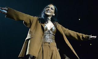 """""""Concurso Cultural no site do  Hugo Gloss Leva você para o show da Rihanna no USA!"""