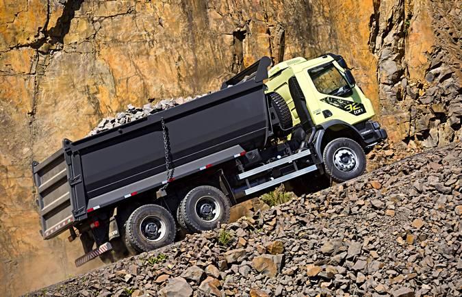 Novo VM330 6x4 off-road ofece maior capacidade de carga em sua categoria