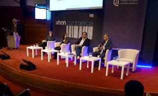 Foto de la mesa redonda Urban Commerce 2016 con Rafa Doria, Roger Sunyer, Belinda Tato, Alex López y Enrique Dans