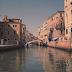 «Ταξίδι» στις κρυμμένες ομορφιές της Βενετίας (video)
