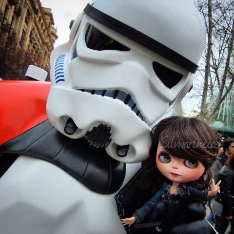 Caty Blythe y starwars trooper