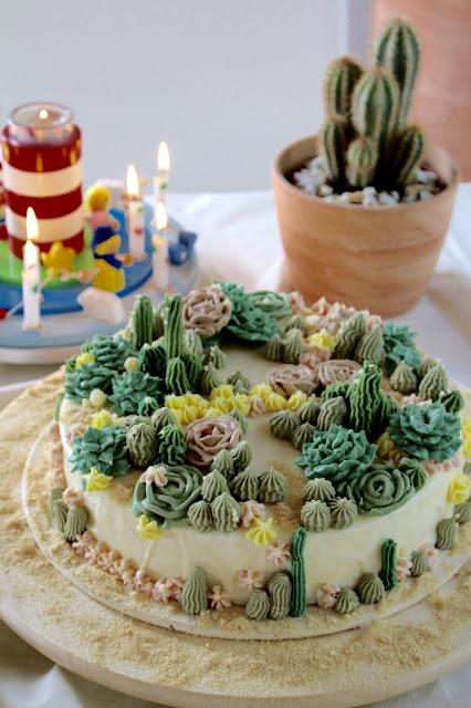 Wüstentorte mit Sukkulenten aus Buttercreme und Mirror Glaze