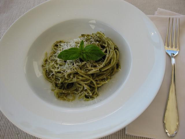 Spaghetti al pesto genovese, Genoveser Basilikum Pesto, Rezept auf dem Südtiroler Food- und Lifestyleblog kebo homing