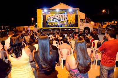 Resultado de imagem para caminhão jesus transforma jequié