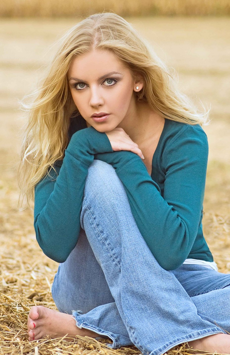 Latest Jeans And T-Shirts For Teenage Girls