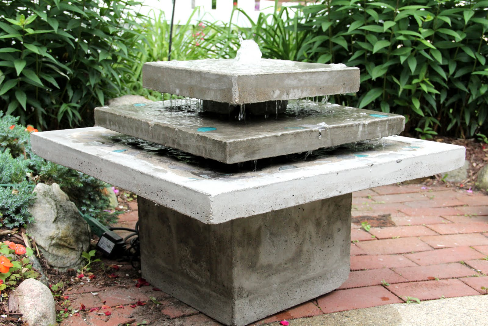art studio: Introducing my three layer concrete fountain!