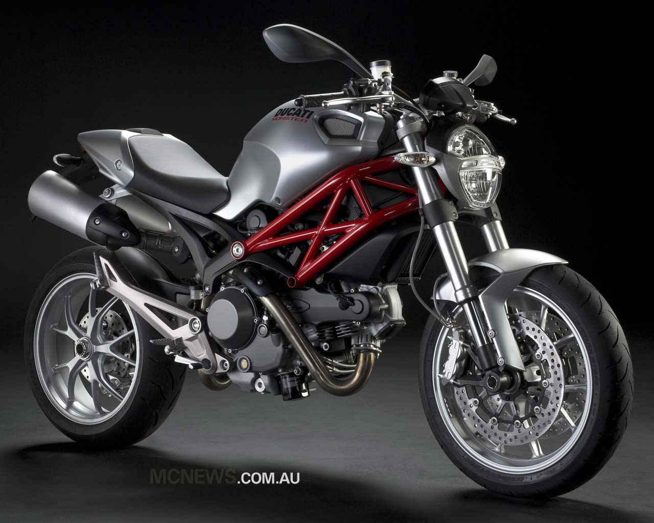 moto mania york ducati monster 1100s fotos. Black Bedroom Furniture Sets. Home Design Ideas
