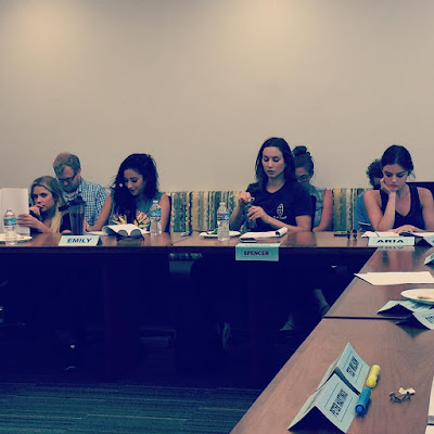 PLL table read 7x14 bts Ashley Benson, Shay Mitchell, Troian Bellisario and Lucy Hale