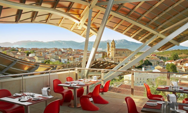 terraza hotel marques de riscal