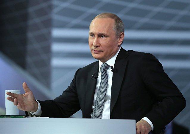 الرئيس الروسى فلاديمير بوتين يؤكد عدم تدخل روسيا فى الإنتخابات الامريكية