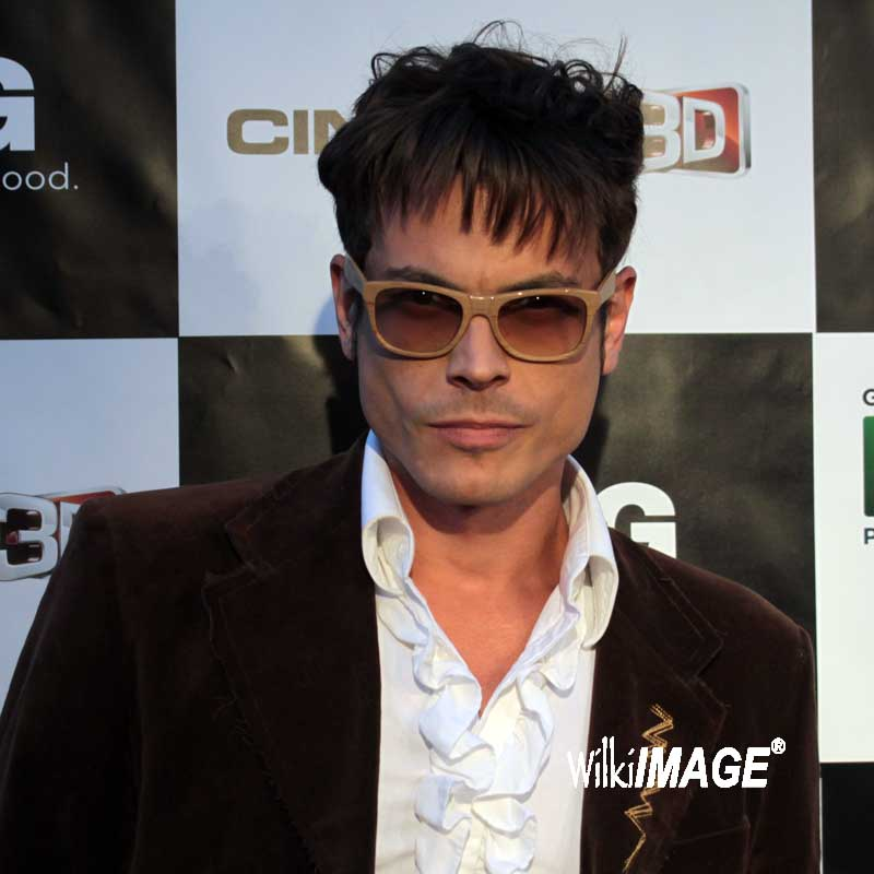 0a6c3213f4fac Daniel Ferreira at the Hollywood Brazilian Film Festival wearing Chilli  Beans- So Hot!