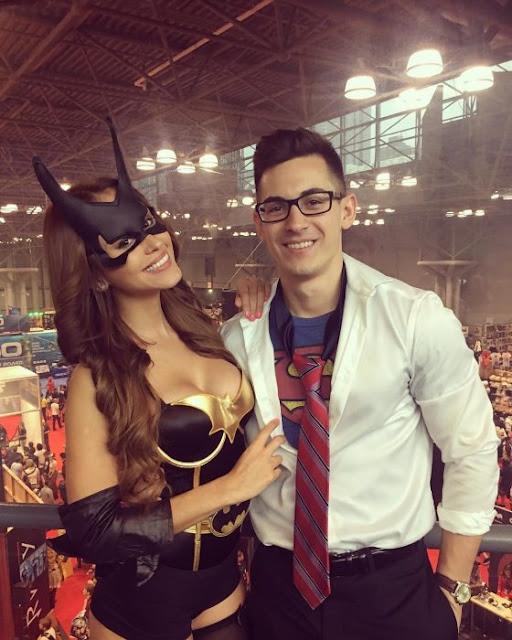 Yanet García se disfraza de Batichica en Comic Con NY