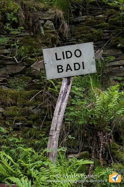 Cartello sul sentiero per Sciaga