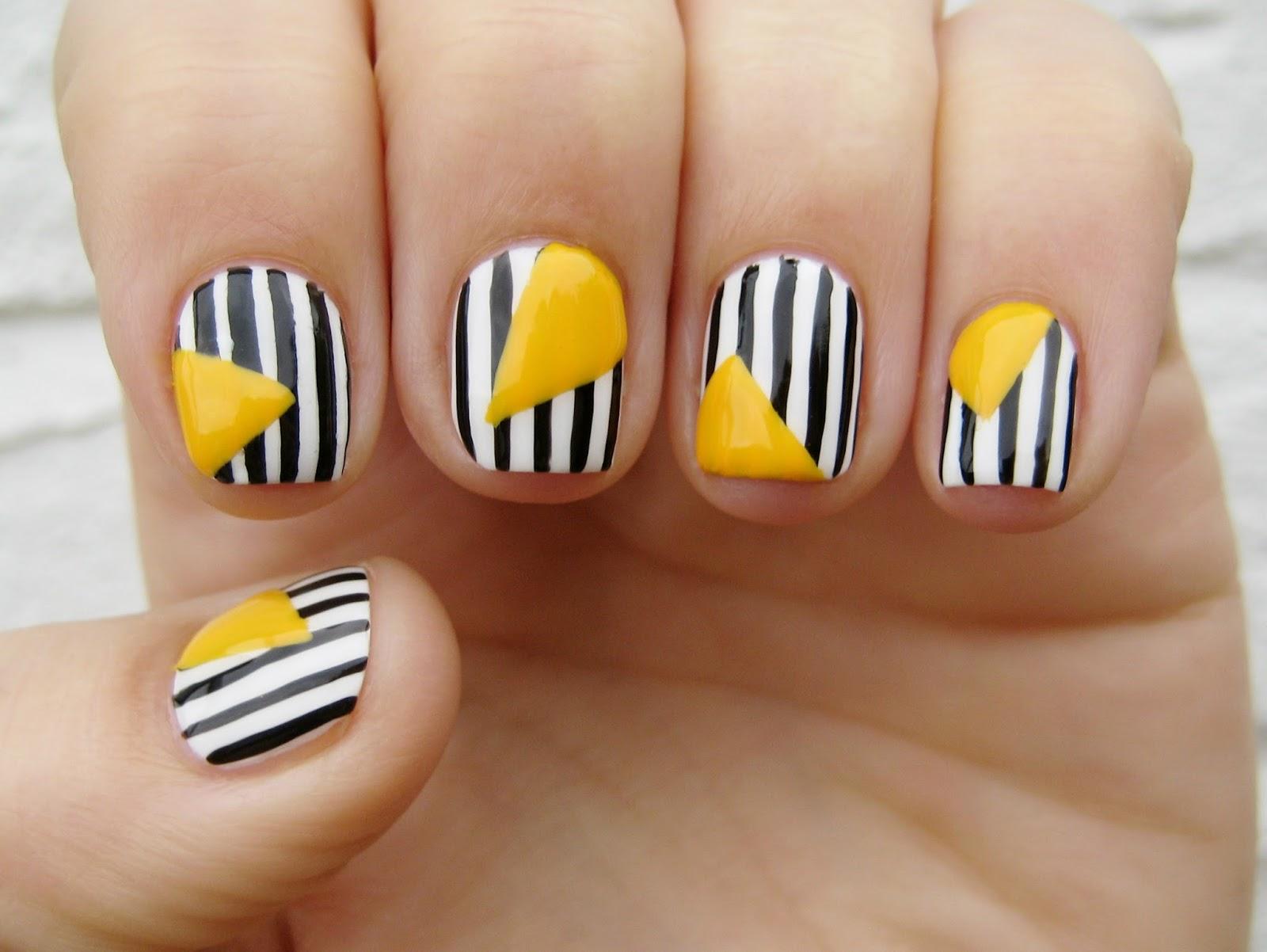 Dahlia Nails Monochrome Mustard