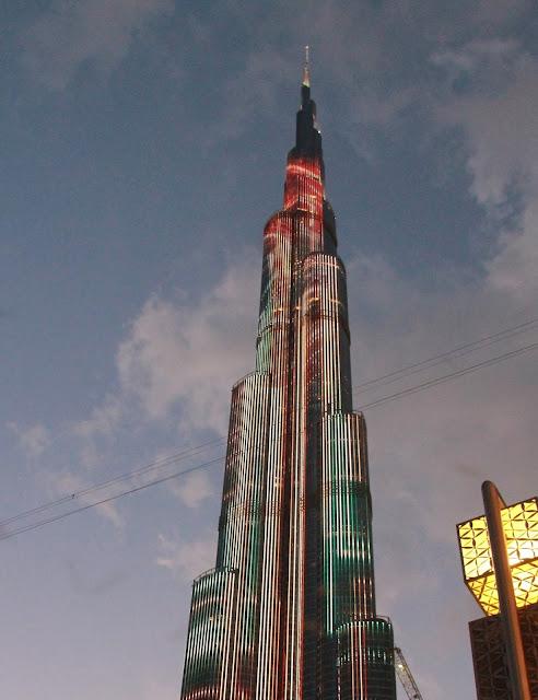 pilvenpiirtäjä Dubai korkein rakennus / nähtävyydet