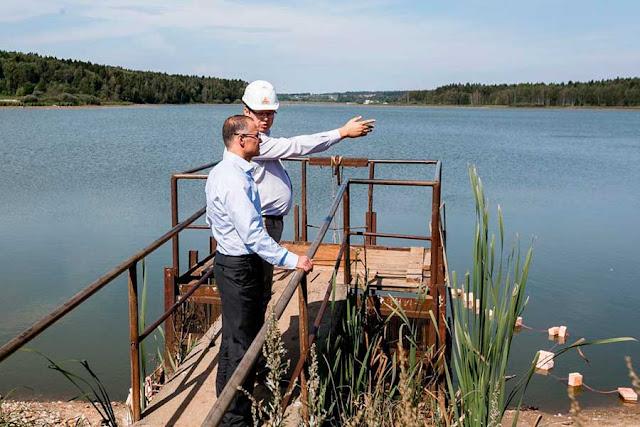 В рамках вчерашнего визита в Сергиев Посад министр экологии и природопользования Московской области Александр Коган посетил с проверкой несколько водных объектов