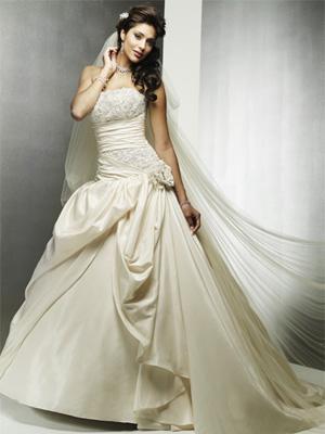 Vestiti Da Sposa Avorio.Vestiti Da Sposa Color Avorio