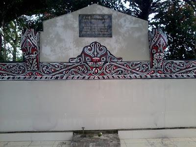 Makam Boru Similing Iling