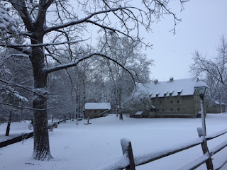 Sisters'_house_at_Ephrata_in_the_snow