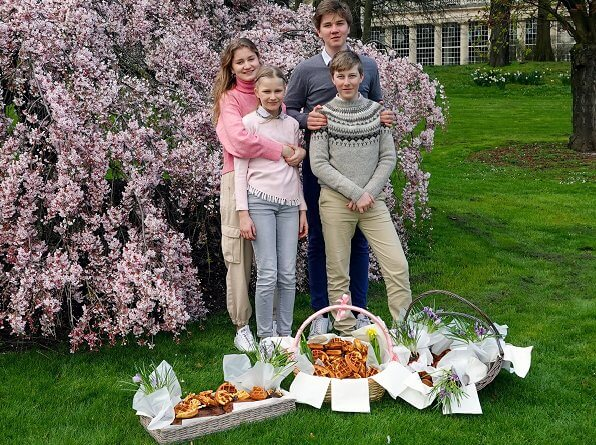 Crown Princess Elisabeth, Prince Gabriel, Prince Emmanuel and Princess Eleonore at Laeken Castle. Zara trousers