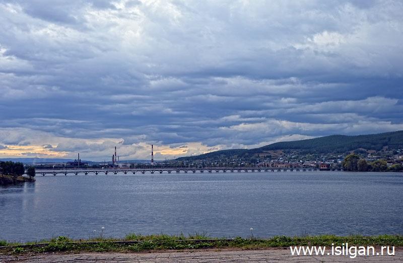 Peshehodnyj-derevjannyj-most-Gorod-Beloreck-Respublika-Bashkortostan