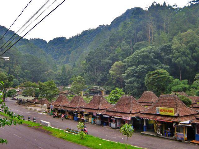 Merasakan Kesejukan Gunung Merapi di Taman Wisata ...
