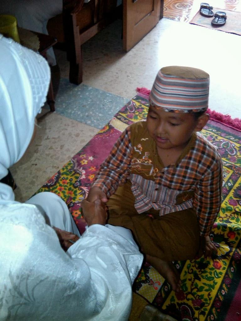 #1Hari1Ayat : Ajari Anak Membaca Al Qur'an