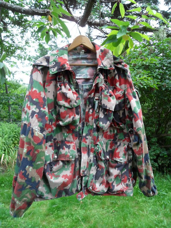 8c803321329d6 Here is a couple of shots of the jacket and the attached pack. We'll take a  closer look at the various details a bit further on in the posting.