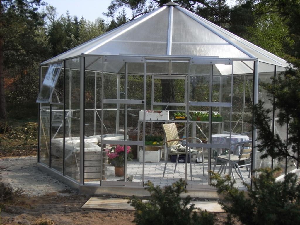 Havelykke's blog: Drivhuspavillon og forårsfornemmelser