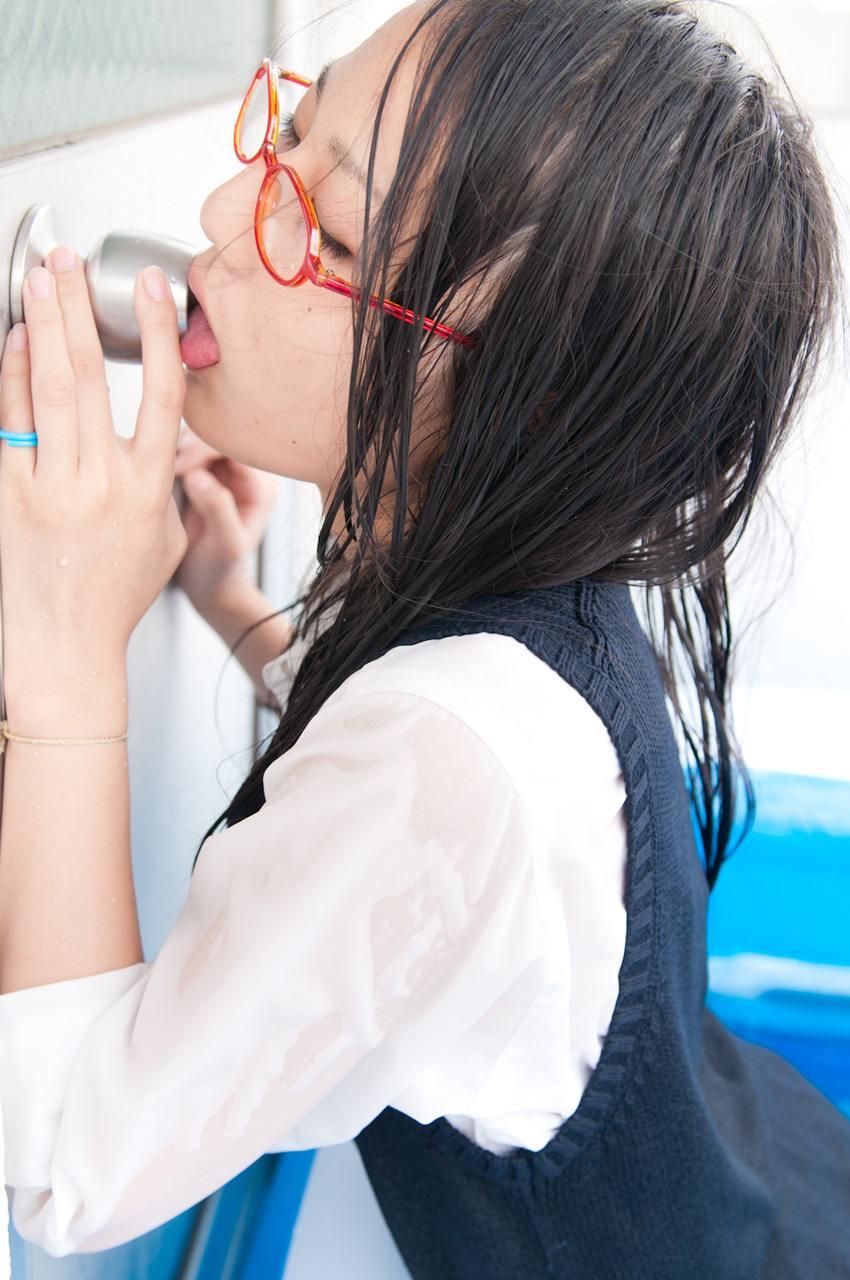 Japanese girls lick