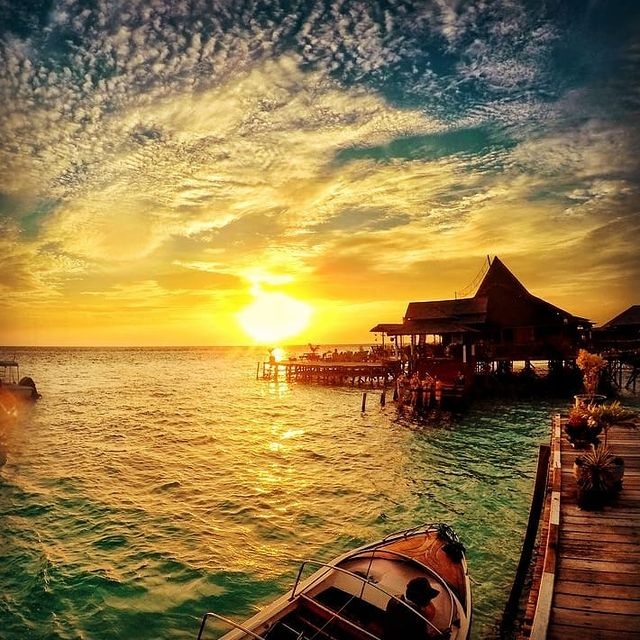 Sunset Pulau Derawan Kalimantan Timur - foto wireloca