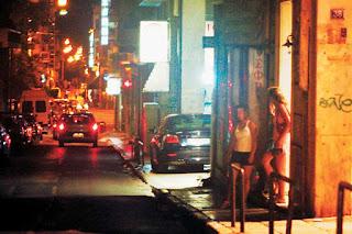 ΣΟΚΑΡΙΣΤΙΚΑ ΣΤΟΙΧΕΙΑ για την πορνεία στην Ελλάδα - Γυναίκες εκδίδονται ακόμα και για...