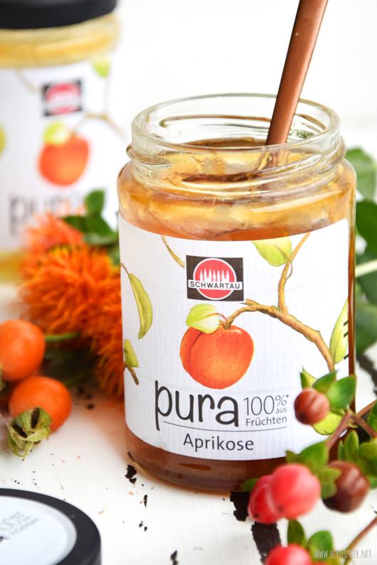 Kuchen mit Aprikosenmarmelade