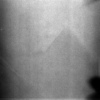 Gambar Langka Pyramid di Bulan